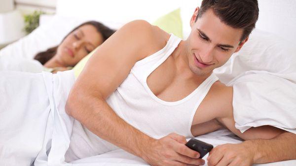 Il tradimento rafforza la coppia? I tre tipi di tradimento: fisico, mentale e virtuale