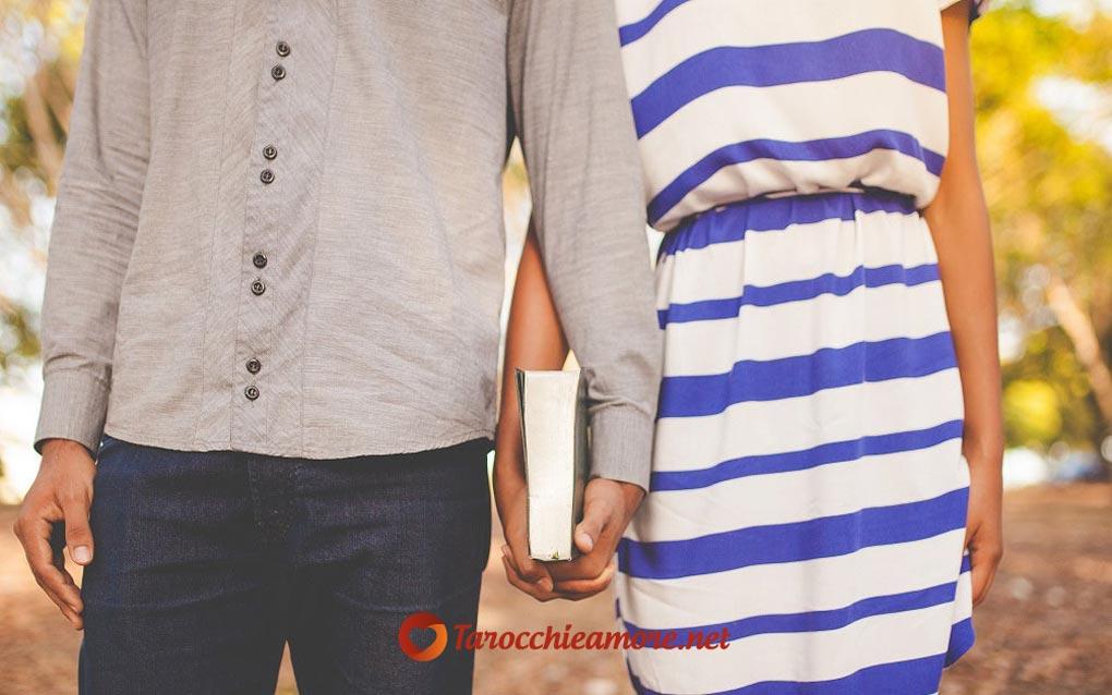 In amore Il Mondo significa concretizzazione del progetto amoroso, è una carta molto positiva.