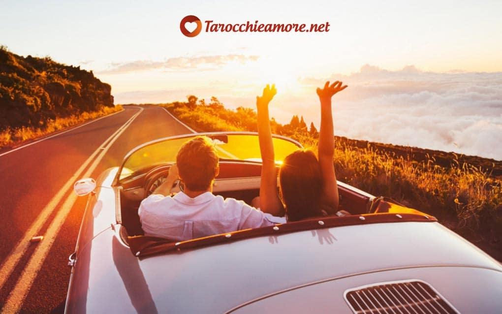 Il Sole dei Tarocchi rappresenta il successo in tutti gli ambiti, anche in amore.